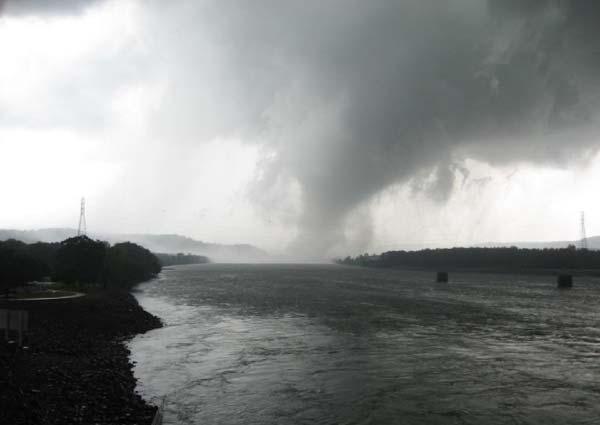 Guntersville Dam, April 27, 2011
