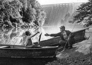 1960s-gallery-TVA Fishing Photo kx7005